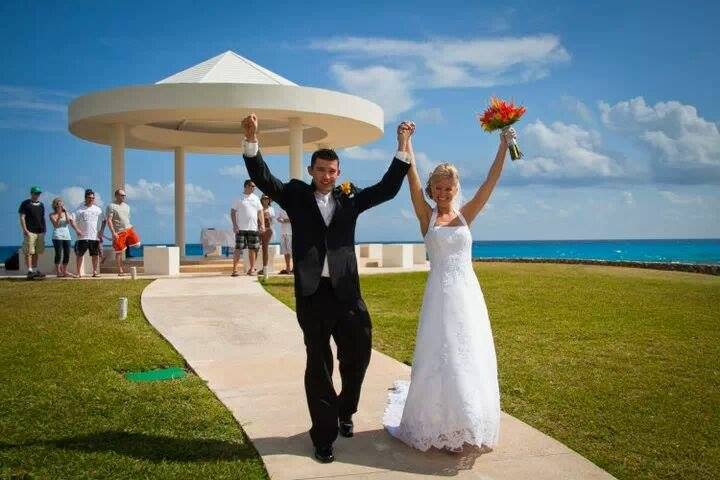 Worldwide-Traveler-Testimonials-Nelson-Wedding-Dreams-Cancun