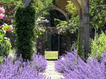 Sisley-Garden-Tours-Main-824x440